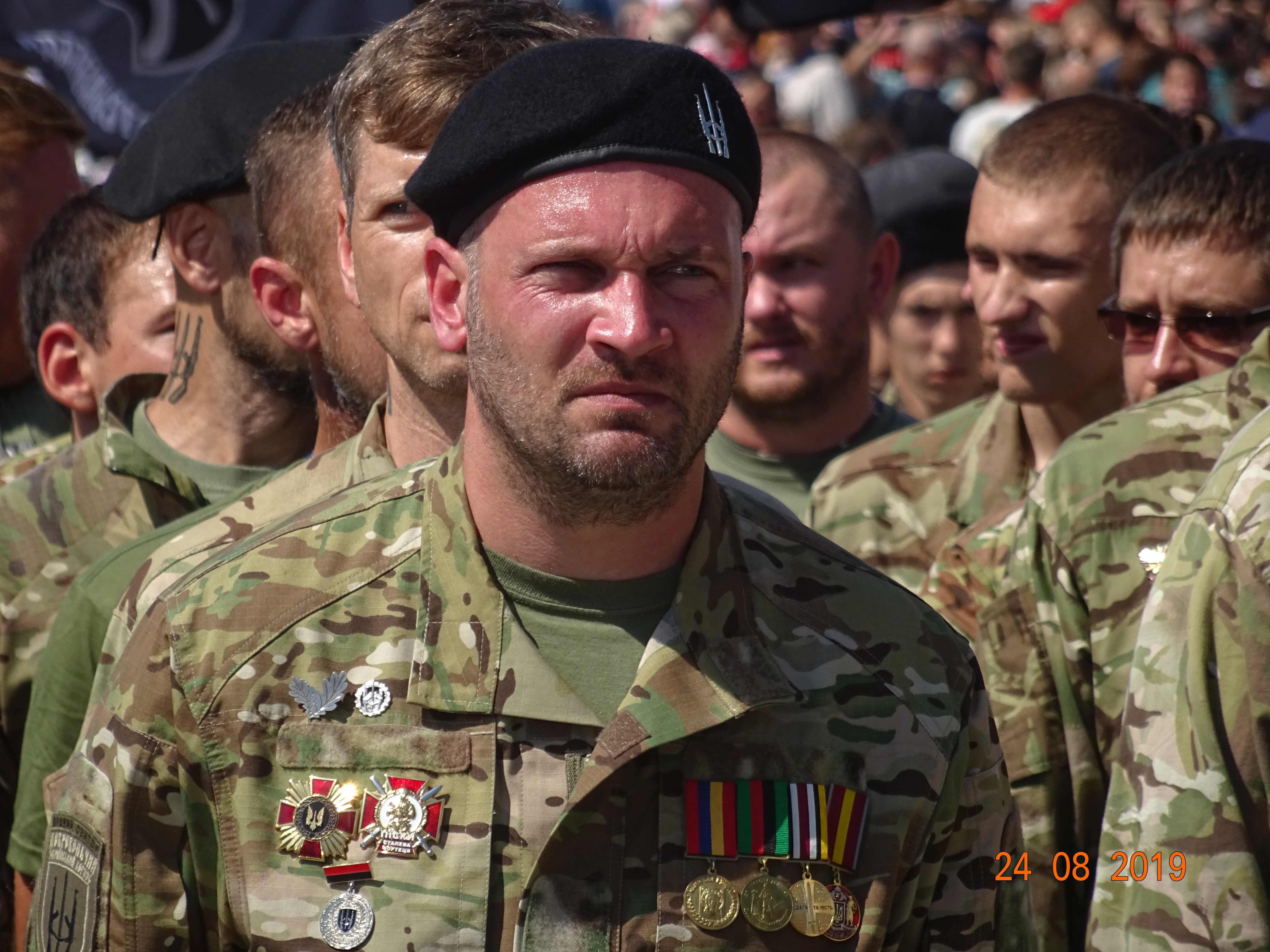 Defenders-of-Ukraine-Parad-24.Aug.19 - DSC06376.jpg